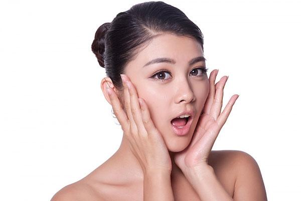 Làm cách nào để trị sẹo lõm trên mặt?