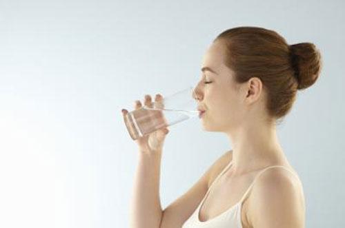 Tự chế thuốc trị sẹo mụn hiệu quả 4