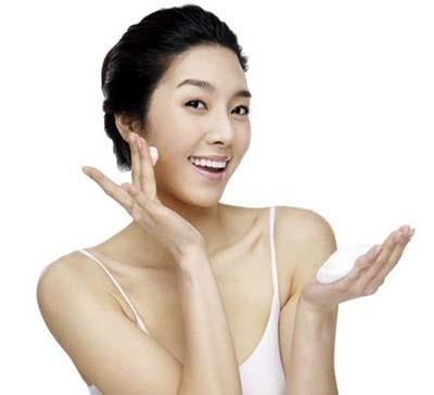 Những lưu ý khi sử dụng kem trị sẹo mụn 1