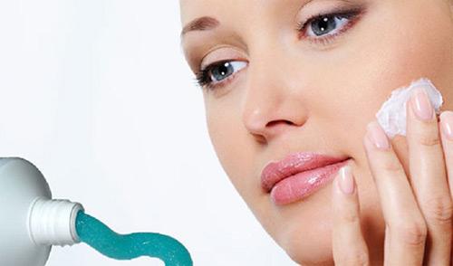 """Trị sẹo mụn hiệu quả từ các liệu pháp """"cây nhà lá vườn""""3"""