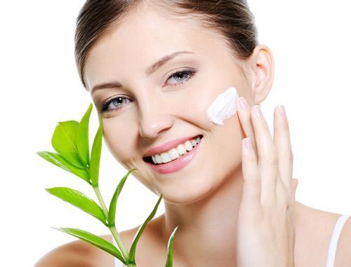 Cách chăm sóc da để phòng ngừa sẹo lõm sau tẩy nốt ruồi2