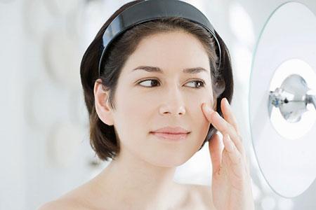 Cách chăm sóc da để phòng ngừa sẹo lõm sau tẩy nốt ruồi3