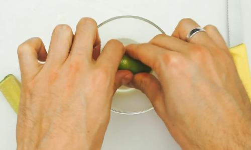 3 cách làm mờ sẹo thâm lâu năm ở chân đơn giản tại nhà2