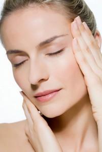 Cách nào có thể chữa trị sẹo lồi ở ngực?