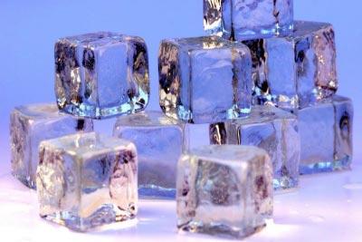 Đá lạnh giúp trị sẹo an toàn, tiết kiệm kinh phí